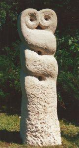 Stele-Kalkstein-von-Roland-Vogel