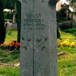 Grabdenkmal-Kalksandstein