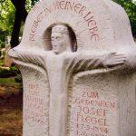 Grabdenkmal-Kalkstein-Christus