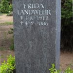 Grabdenkmal-Migmatit-blaugrau-Schweifbogen