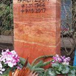 Grabdenkmal-Travertin-rot