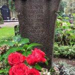 Grabdenkmal-Muschelkalkstein