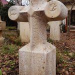 Grabdenkmal Kreuzform Juratravertin