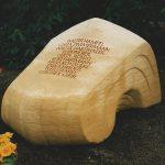 Grabdenkmal Lagernde Form